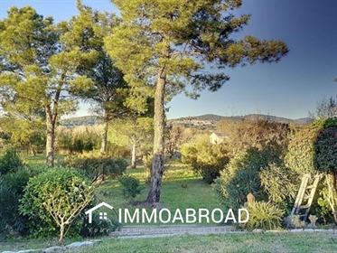 Magnifique villa au calme avec une vue magique sur le châtea...