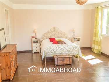 Flayosc Sale recent property of more than 300m ² livable on 6000m ² with 4 rooms. More tha