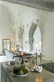 Château d'exception en Dordogne, entièrement restauré.
