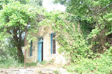 Πέτρινο σπίτι προς πώληση στο χωριό Aikirgiannis στην Κίσαμο