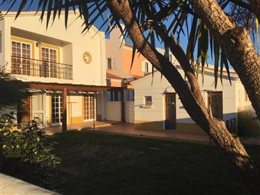 Vila T3 com jardim + terreno 300 M2
