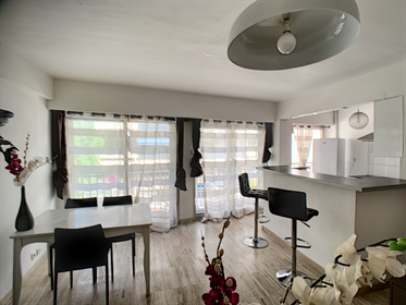 For sale Apartment 2 rooms 49m2 ideally located 5 minutes from the Palais des Festivals an