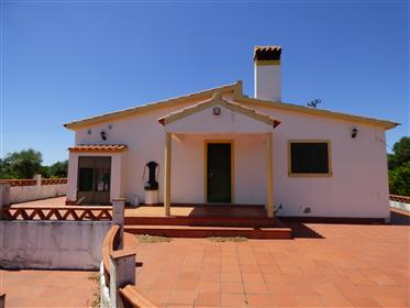 Small farm of 1.7 Ha with two dwellings in Valhascos/Sardoal