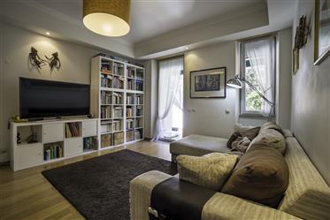 Apartment T4 Duplex in Alto de Sto. Amaro