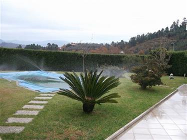 T3 + 1 duplex house with pool in Celorico de Basto