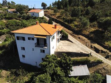 Ótima moradia em Baião - Douro