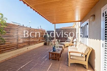 Spectacular penthouse with terrace in La Bonanova In a well-known street of Bonanova, a pr