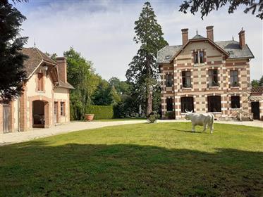 Sologne, maison de caractère 300m2 hab avec dépendance sur parc clos de 3280m2