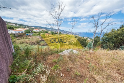 Grundstück 550 mts Das Hotel liegt in Gaula. Insel Madeira.