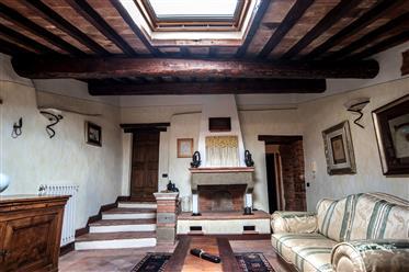 Appartamento Di Pregio In Centro Storico - Toscana