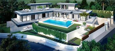 Living The Luxury