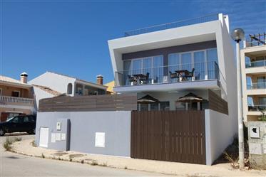 Moradia T3 geminada com piscina e garagem - Burgau - Luz - Lagos
