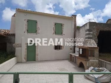 (Προς Πώληση) Κατοικία Συγκρότημα κατοικιών || Ν. Ζακύνθου/Ελάτιο - 145 τ.μ, 1 Υ/Δ, 100.000€
