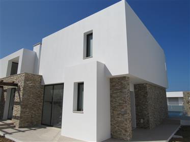 Moradia De Arquitectura Moderna Com Vista Para O Mar