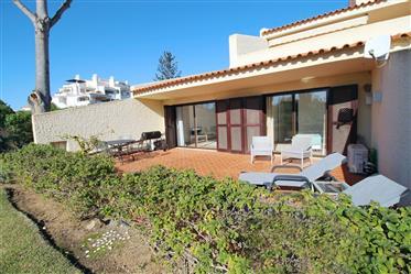 Apartamento T2 com fabuloso terraço em Vilamoura, Algarve
