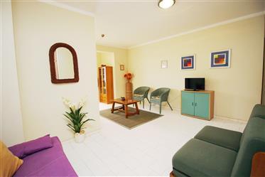 Apartamento T1 a 100m da praia em Armação de Pêra, Algarve