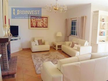 Moradia T4 nova com vista mar em Boliqueime, Algarve