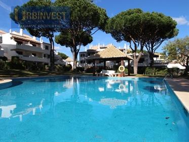 Apartamento T2 com terraço espetacular em Vilamoura, Algarve
