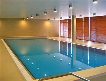 Νέο διαμέρισμα με πισίνα και σάουνα στη Βουδαπέστη