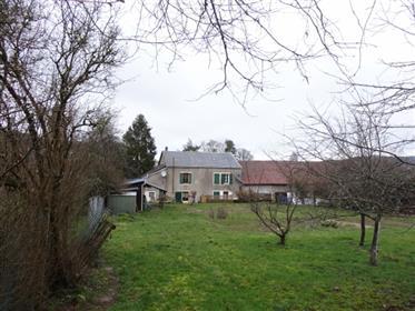 Proche De La Cure Dans Le Parc Du Morvan Secteur Dun Les Places Maison De Village Mitoyenne Confort