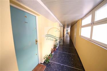 Appartamento con terrazzo e vista mare in vendita a Ospedaletti.