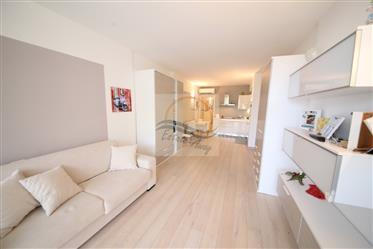 Appartamento in vendita a Vallecrosia, località Conca Verde,