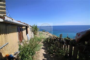 À vendre à Bordighera, zone Montenero, maison de campagne à ...