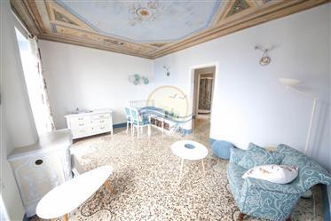 Appartamento vista mare in vendita a Bordighera.