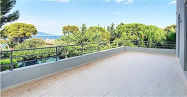 Roquebrune-Cap-Martin, beautiful modern villa new with a bea...