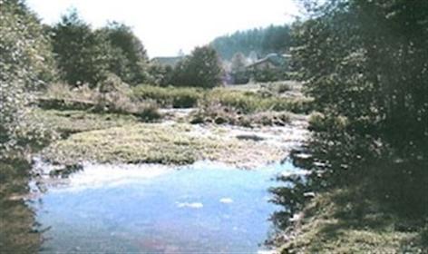 Punionica vode Zemljište sa kompletnom infrastrukturom za izgradnju punionice pitke minera