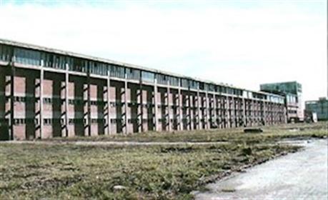 Eau potable arrangement terrain bâtiment 400,000 ms ², entièrement ouverts, est dans la ré