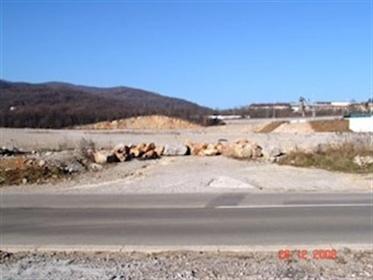 Graðevinsko zemljište za izgradnju trgovaèkog centra Graðevinsko zemljište za veliki proda