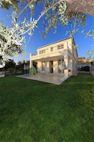 Luxury property: 210 m²