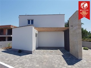 Modern family house in Zaton Modern family house in Zaton. This property consists of two f