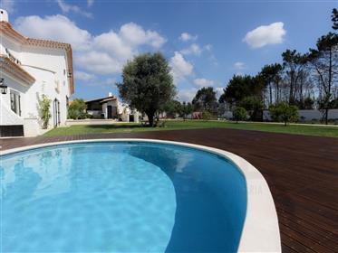 Fantastic Villa Near The Sea