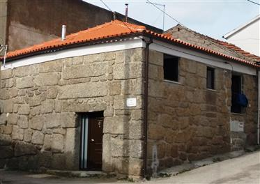 Maison T2 restaurée à Pedra