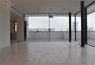 Luxury Penthouse In Center Of Tel Aviv