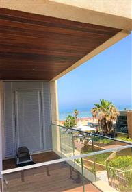 Luxury apartment on the first sea line - 2 rooms