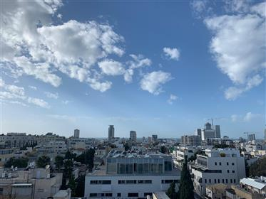 New 4 room duplex in a building in the heart of Tel Aviv
