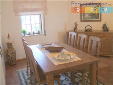 Apartamento T3 de qualidade superior na praia de São Martinho do Porto a 5 minutos a pé da praia.