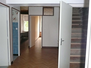 3 bedroom house and small terrace in the centre of the old t...