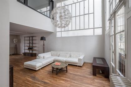 Artist studio duplex in Art Deco building