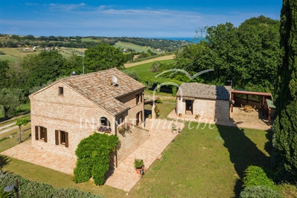 Located in private location amongst the green hills of the beautiful countryside of Montec
