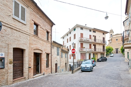 Casa Nicchia Free standing property for sale in the historic centre of the pretty town of