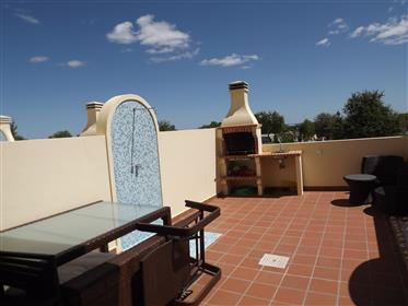 3 Bedroom Townhouse With Roof Terrace With Sea Views