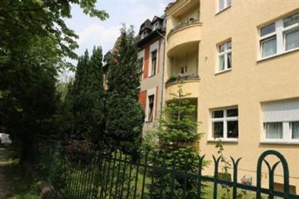 Altbauwohnung mit Balkon und Hausgarten im gutbürgerlichen Lichterfelde Süd