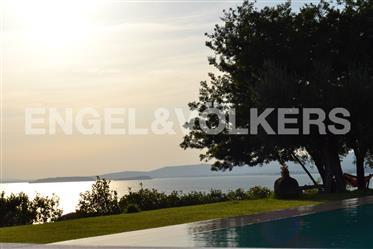 Casale con piscina sul Lago Trasimeno