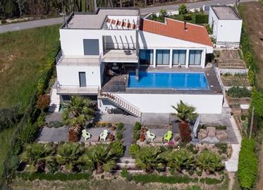 Fabulosa moradia T4 individual com piscina e terreno