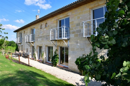 25 Km From Bordeaux - Very Nice Property In Organic Farming