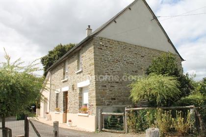 Maison de campagne en pierre et parpaings très coquette entre St Hilaire du Harcouët et Mortain